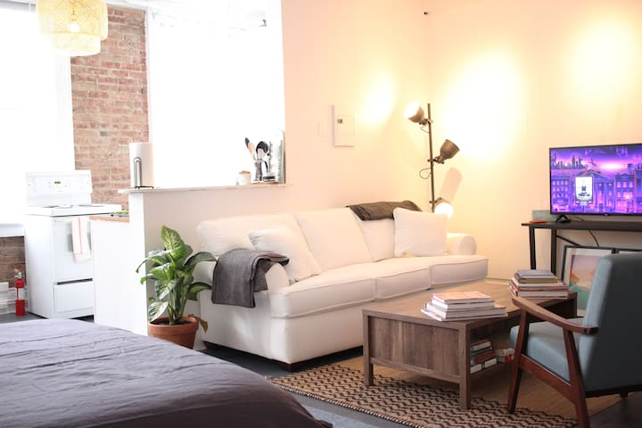 Warren St Studio-bright, stylish, perfect location