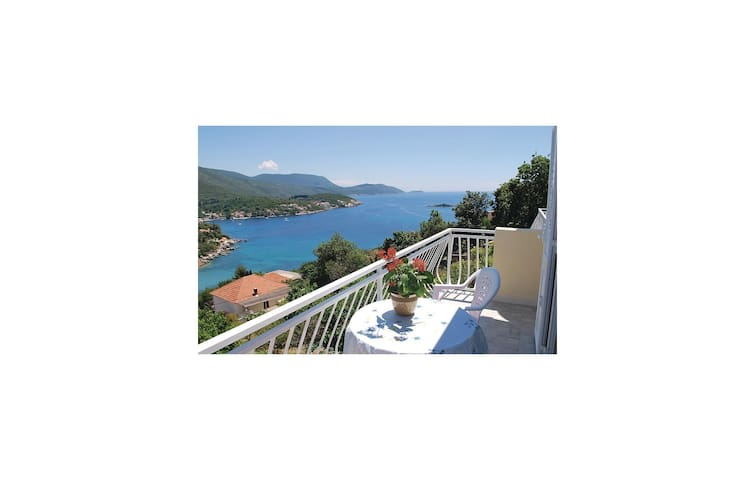 Holiday apartment with 1 bedroom on 40m² in Gruda