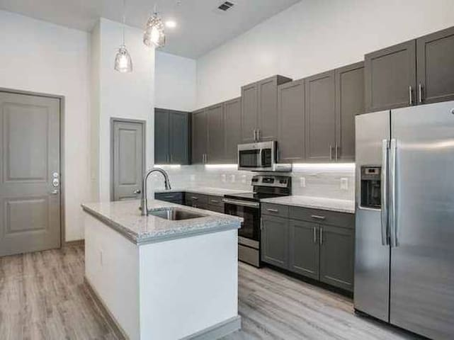 New 1 bedroom apartment in Medical District
