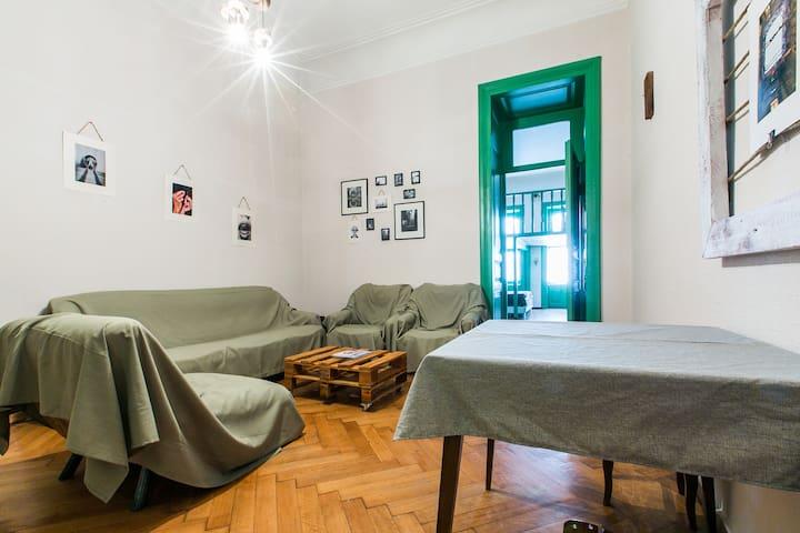 Old Tbilisi Sololaki Greenwoods Apartment - Tbilisi - Byt