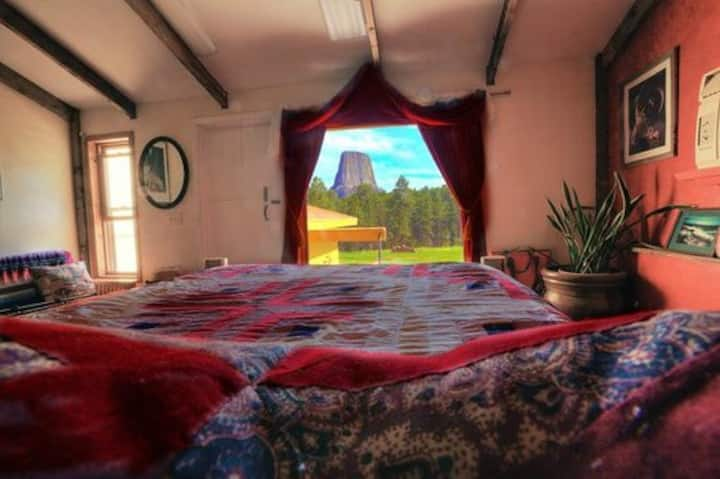 The Windows Room - Devils Tower Lodge