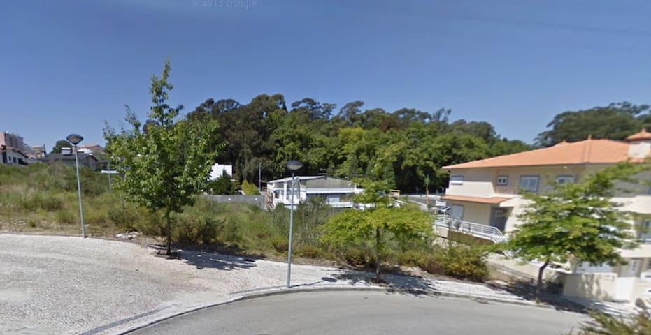 Casebre albergue - São João da Madeira - House