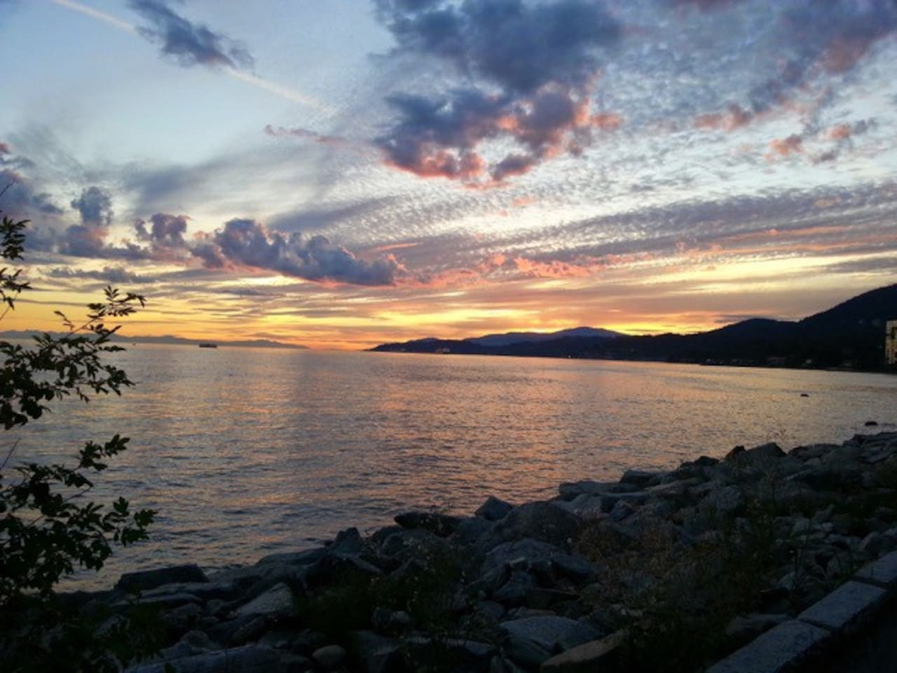 North/West  Vancouver at Sun Set from beach