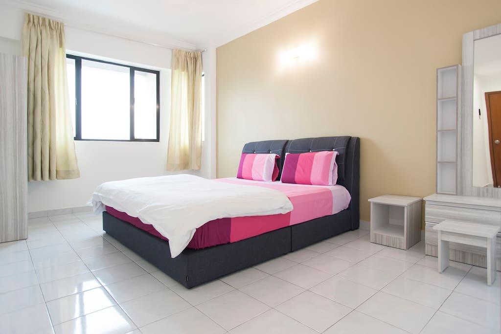 Master Bedroom / 主人房
