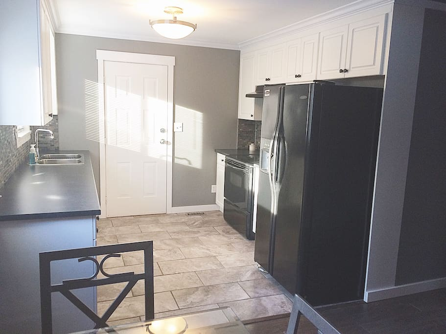 Fully functional kitchen with all basic utensils and cookware provided