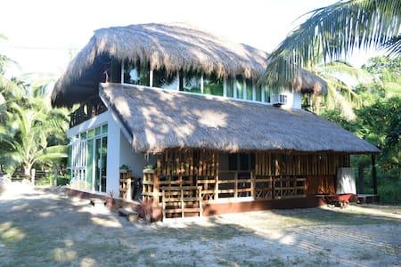 La Casa Blanca: Home Rental for 20Pax w/ Mini Pool
