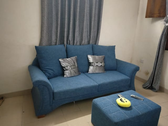 Scolah's  Place. Fully furnished 1 bedroom house