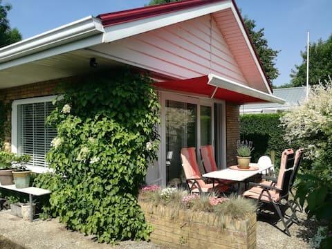 Kindvriendelijk huisje + blokhut nabij Scheldeoord