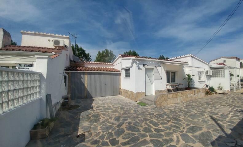 Casa a menos de 1 km de la playa