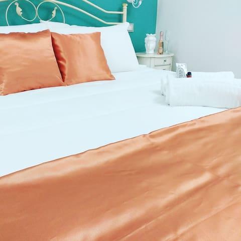 1 Camera da letto con un toco di eleganza...