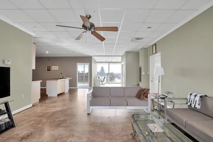 Great Views Master Bedroom Suite South of Atlanta