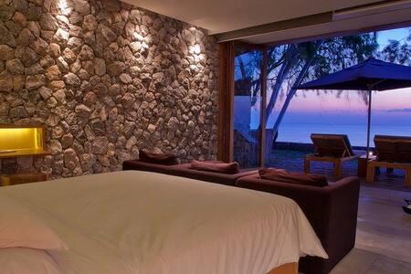 Kui Buri Deluxe Ocean Front Pool Villa in Resort - Villa