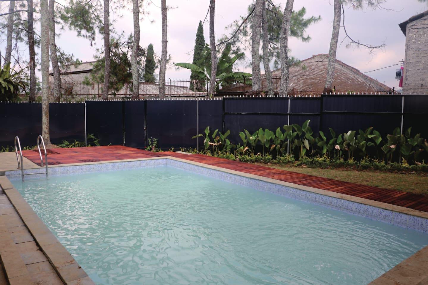 Kolam berenang pribadi