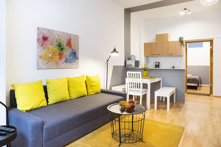homaris - Apartment Like It