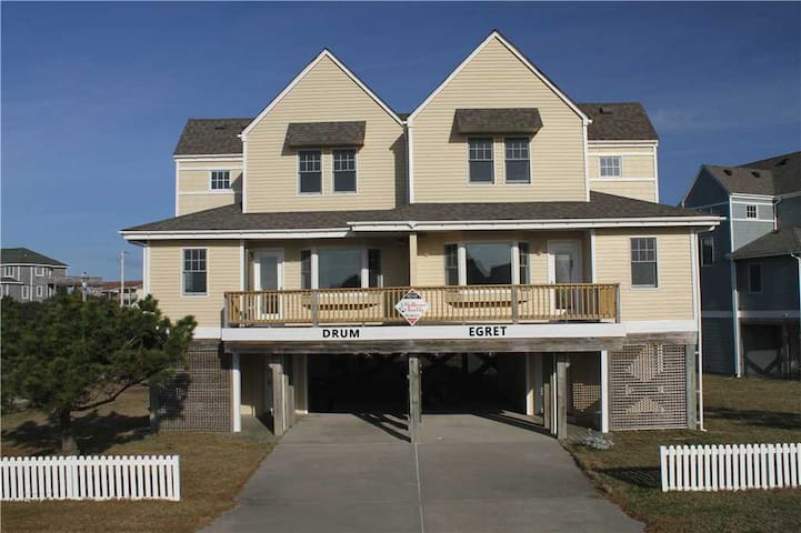 OCEANVIEW in Buxton w/Easy walk to beach, PetFriendly