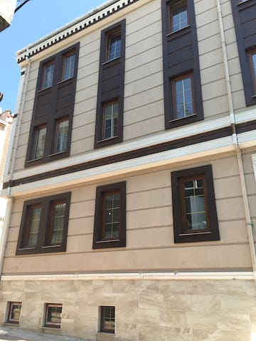 Beds For Rent in a Brand New Hostel - Fatih - Yatakhane