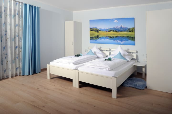 Pension Lerchenfeld 2 Bett Zimmer Bergblick