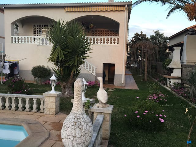 Belle villa vue mer montagne - El Vendrell - Huis