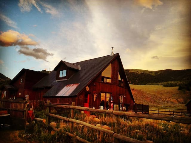 The Marmot Hole - Crested Butte - House