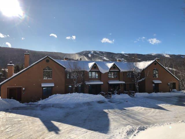 Beautiful Bretton Woods 4bed 3.5 bath 2600sqft