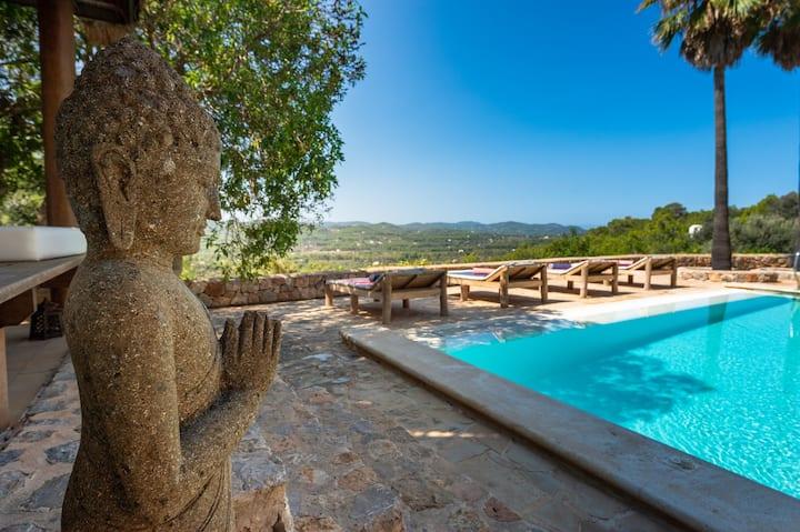 Beautiful finca hidden among the hills of SantJoan