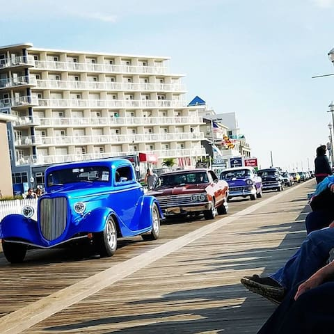 Crusin' Boardwalk
