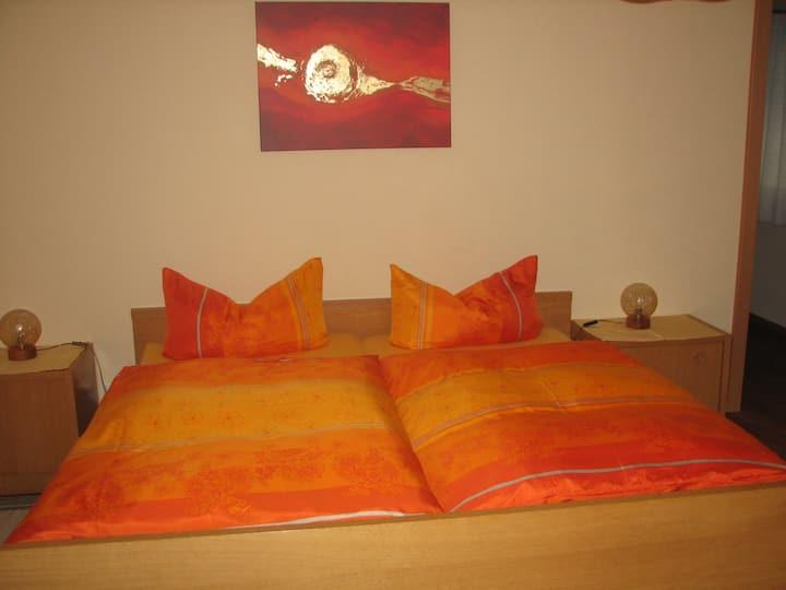 Haus Gramespacher, (Bad Bellingen), Ferienwohnung mit 44qm, 1 Wohn-/Schlafzimmer, max. 2 Personen