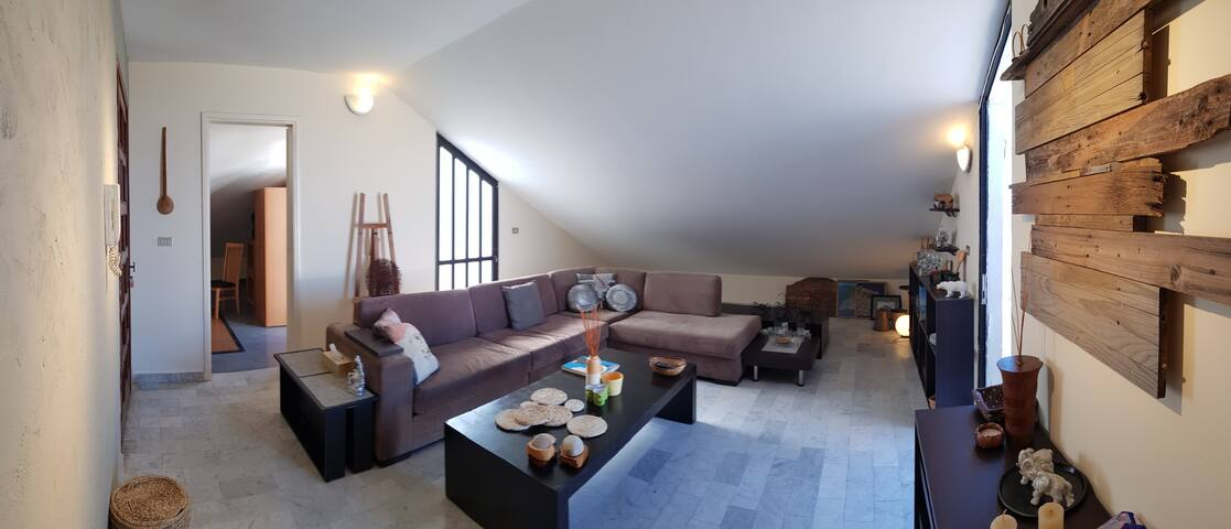 Halat - 1 bdrm furnished Rooftop Apartment
