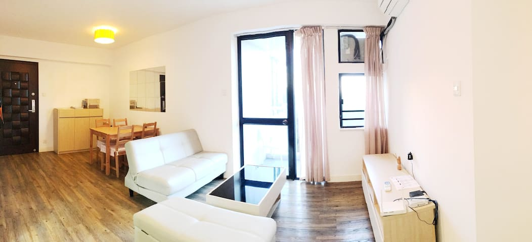 Nice Decor, Full Furnished 2 Bedrooms Apartment