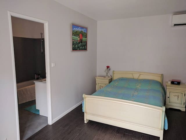 Private room+bathroom, 20min to Dineyland Paris. - Bussy-Saint-Georges - บ้าน