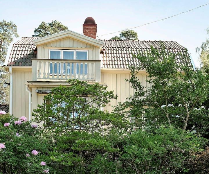 Charming villa on a big plot