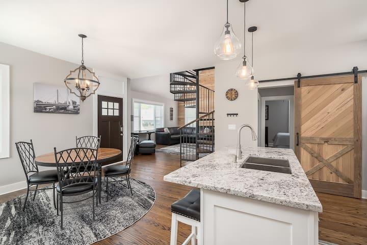 Private luxury Home in Grandview, Columbus!