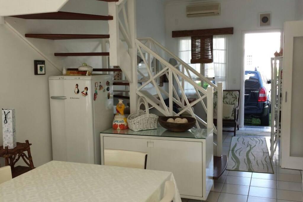 Sala de Jantar e Entrada