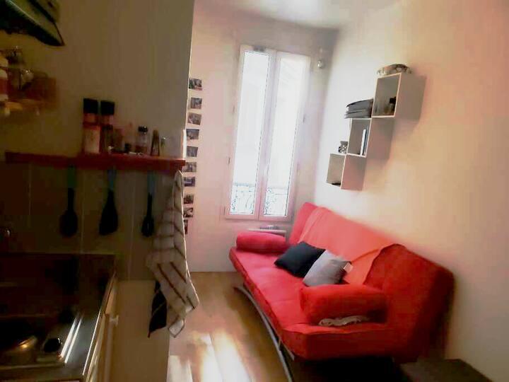 longement entier Studio Paris 10eme 12m2