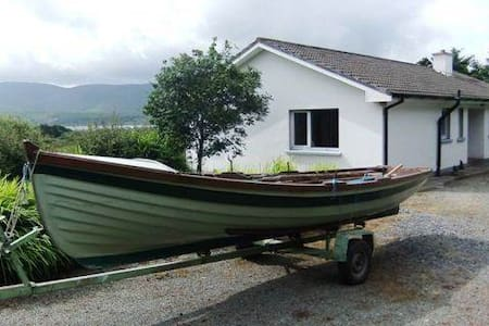 Ring of Kerry/Wild Atlantic Way House inWaterville - Waterville