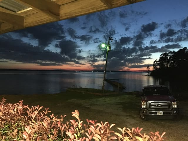 Laurie's Lake House &  Avalon Pontoon Boat rental