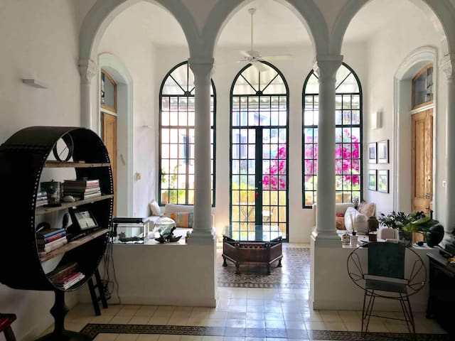 Beautiful private room in the heart of Neve Tzedek