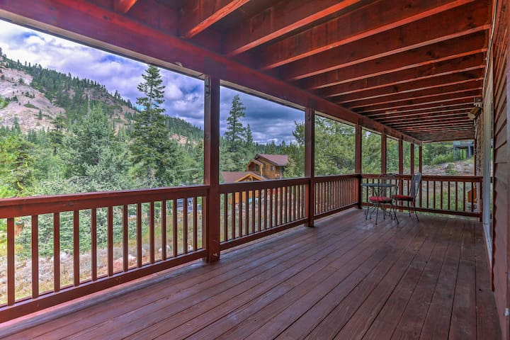 The property boasts unobstructed mountain views and an unbeatable location.