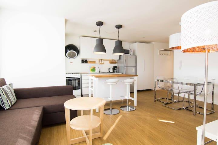 living room-dining room / salón comedor