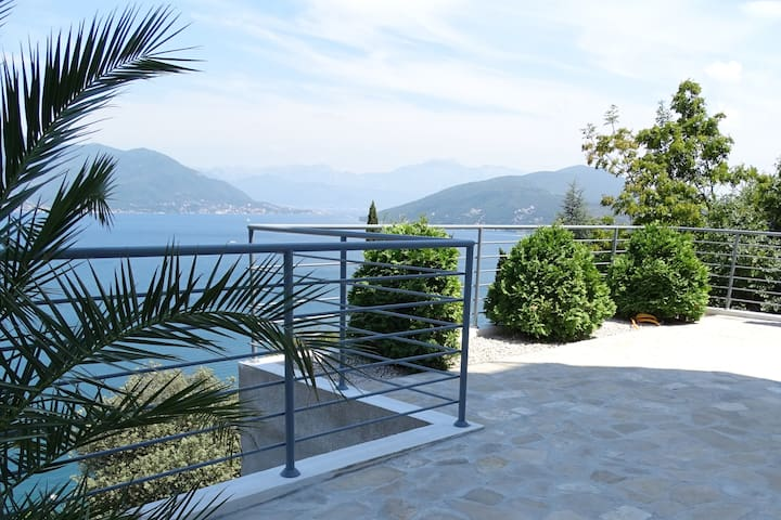 Montenegro Holiday Apartment (no 4) - Njivice - Departamento