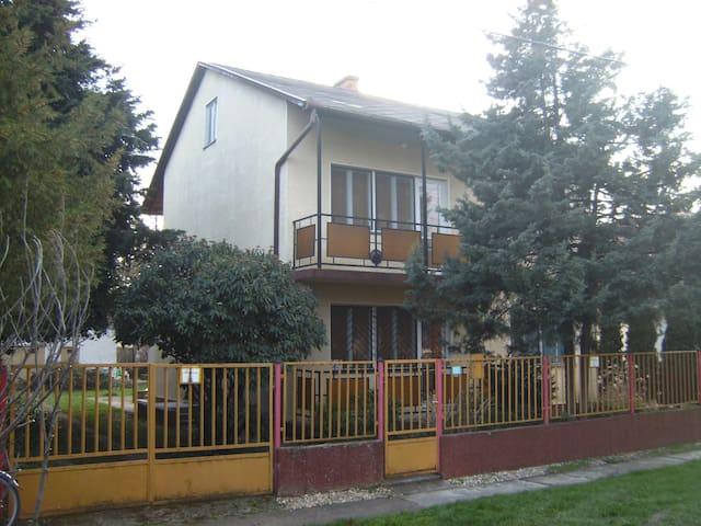 Hajdúszoboszló Norbi Apartmanház 16 fő részére