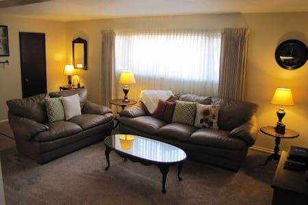 Furnished Sunnyside Apartment #6 - Great Falls