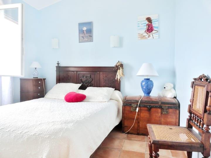Casa de una habitación en Cateri, con magnificas vistas al mar y terraza amueblada - a 11 km de la playa