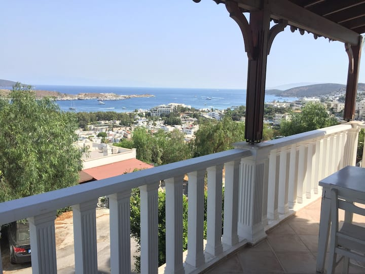 duplex house w/ excellent sea view