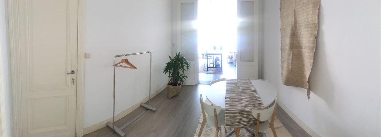 Cozy apartment in Berchem Station