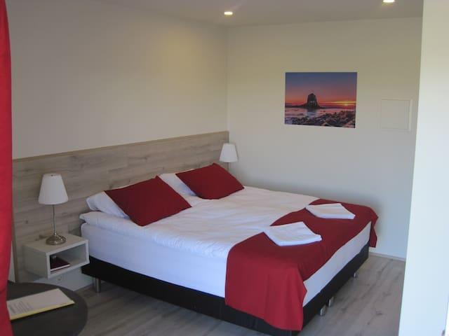 Skógar Sunset Guesthouse  St.room 4 - Húsavík - Apartamento