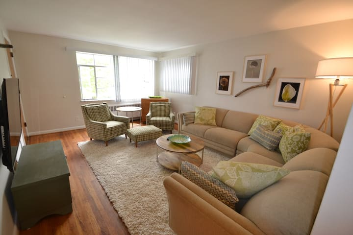 H-2 Furnished 2 BR Silverton near Kenwood
