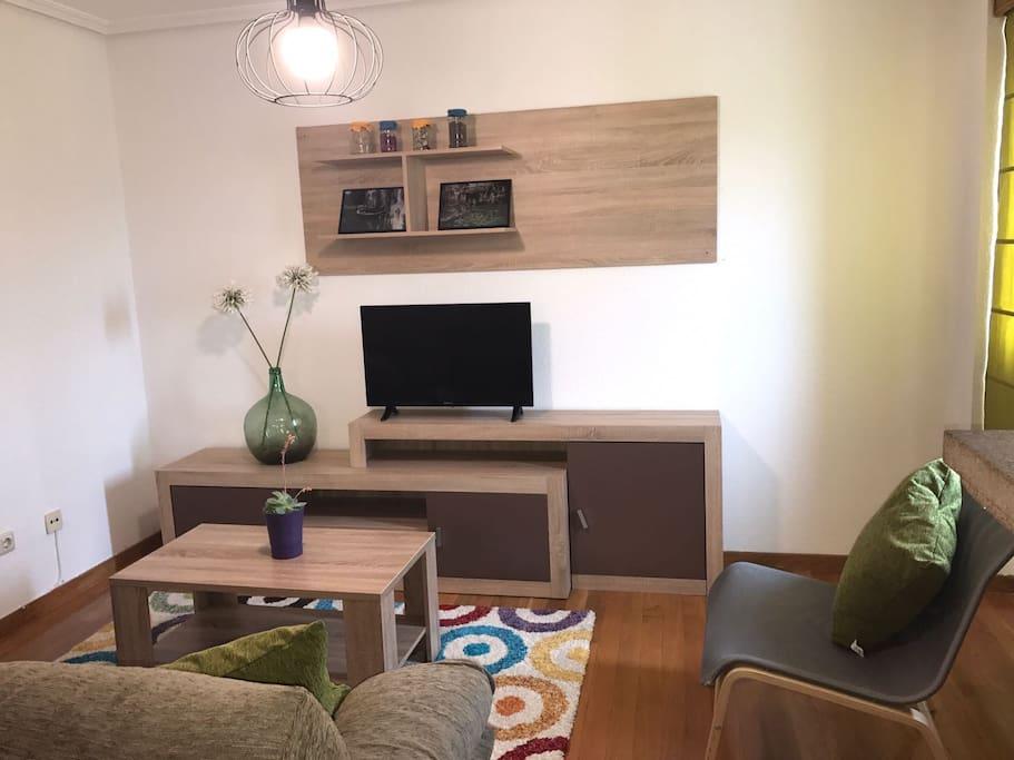 Principal living room (2/3)
