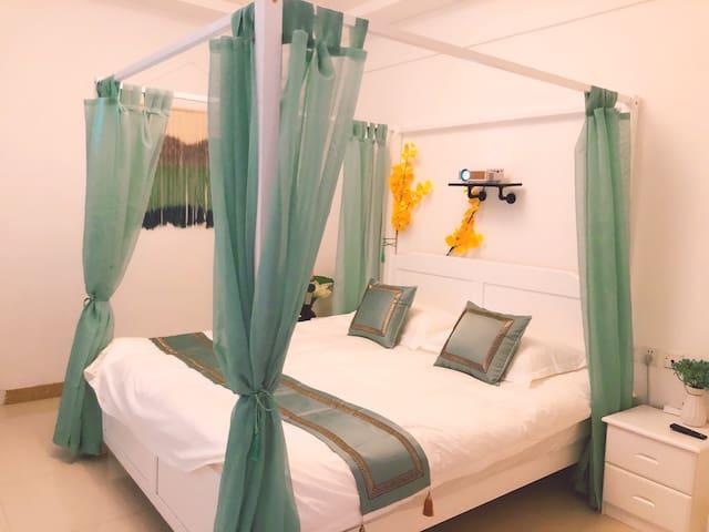 红星国际古风床幔观影浪漫主题房 大床房 投影仪观影 可做饭 空调开放 免费停车