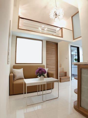 2BR Cozy Loft/Heart of downtown/近行天宮MRT/中山區/附近超商多